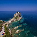 Плажове Скопелос Айос Йоанис Пещера Въздушна снимка