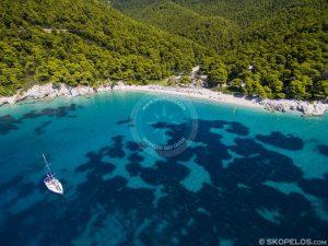 Awọn etikun Skopelos, Okun Kastani, n sunmọ skopelos