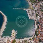 Photo aérienne de la ville de Skopelos