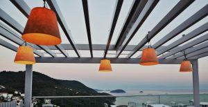 Agnan restaurantes brilho, brilho cidade Skopelos