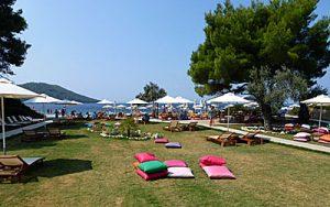 kastani beach, praias de skopelos, mama mia beach skopelos, kastani beach bar