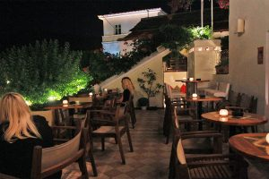 hipi greben, hipi-bar, grad hippopotama Skopelos